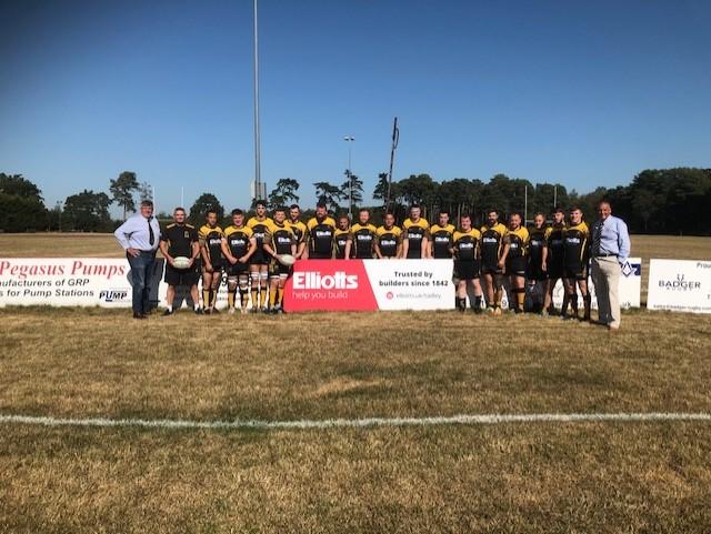 The Tadley RFC 1st Team pose in their 201920 season kit